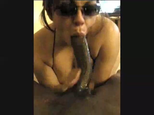 man licking mature pussy